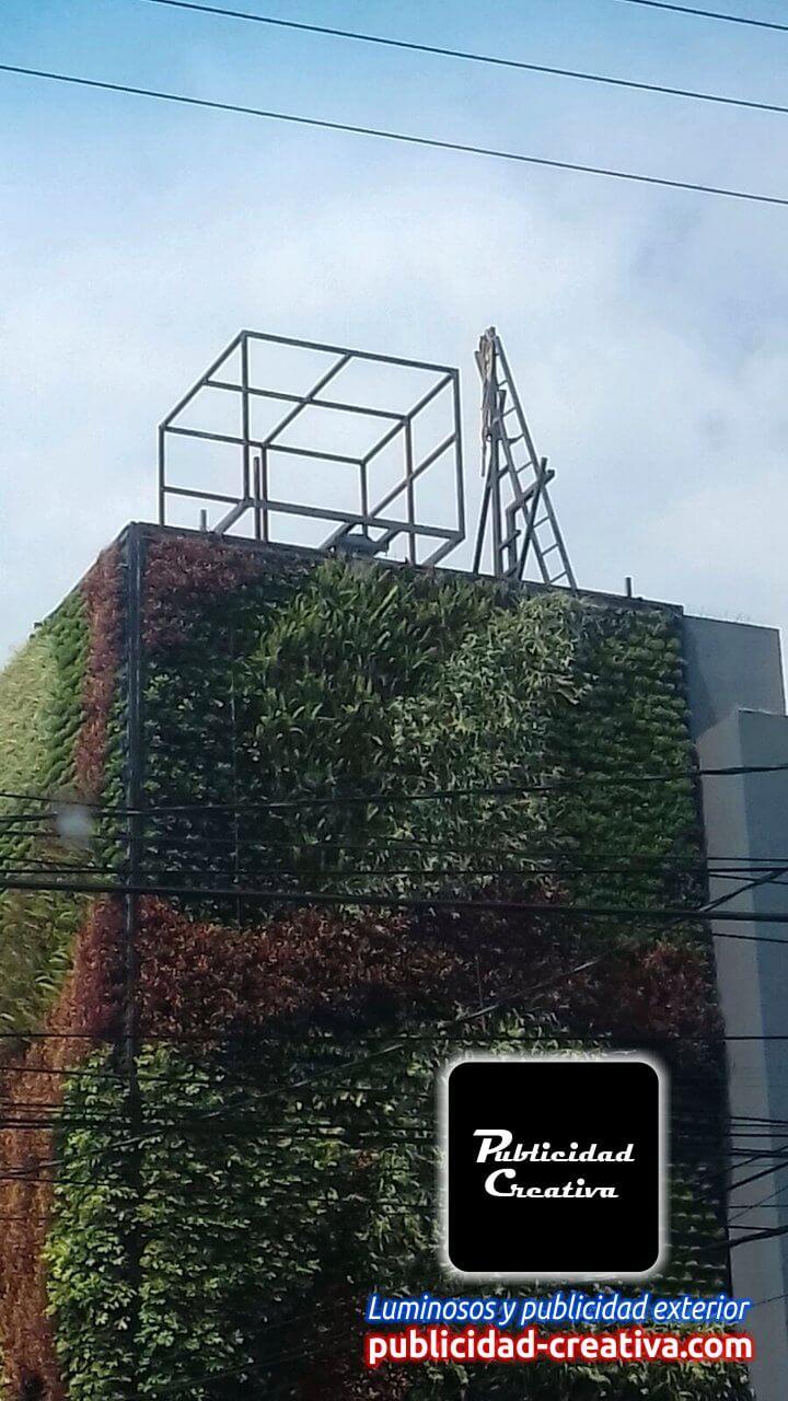Expertos en fabricación e instalación de estructuras publicitarias y materiales gráficos para publicidad exterior y espectaculares